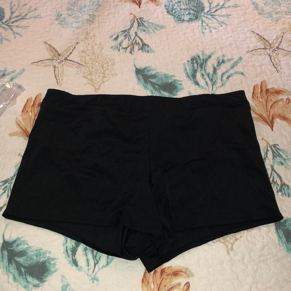 Swim shorts with attached panty